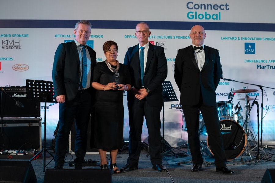 OSM Maritime Group receives the Innovation & Technology Award from Andreas Nordseth, Danish Maritime Authority, &  Mike Powell, Cardinal Point Maritime