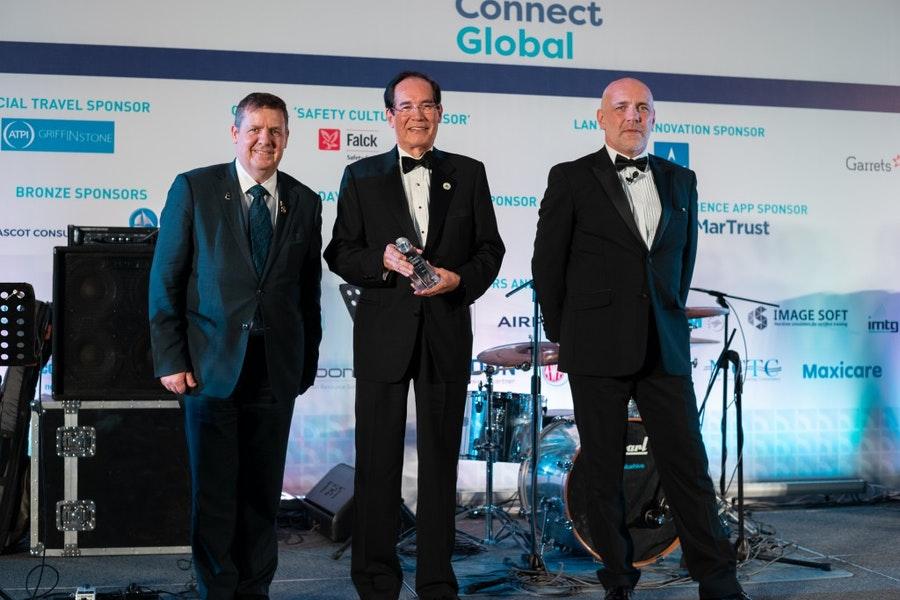 Ambassador Carlos Salinas receives the Lifetime Achievement Award from Guy Platten, International Chamber of Shipping, and Mike Powell, Cardinal Point Maritime