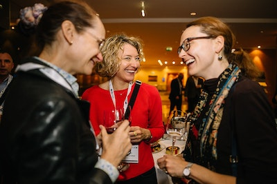 Delegates networking at QuantMinds International