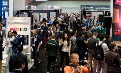 Connected & Autonomous Vehicles - Expo Hall Big Crowd