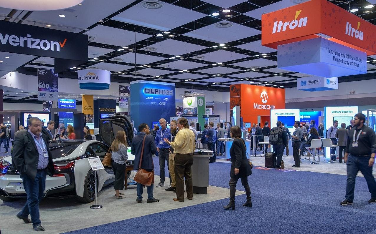 IoT World crowded expo floor